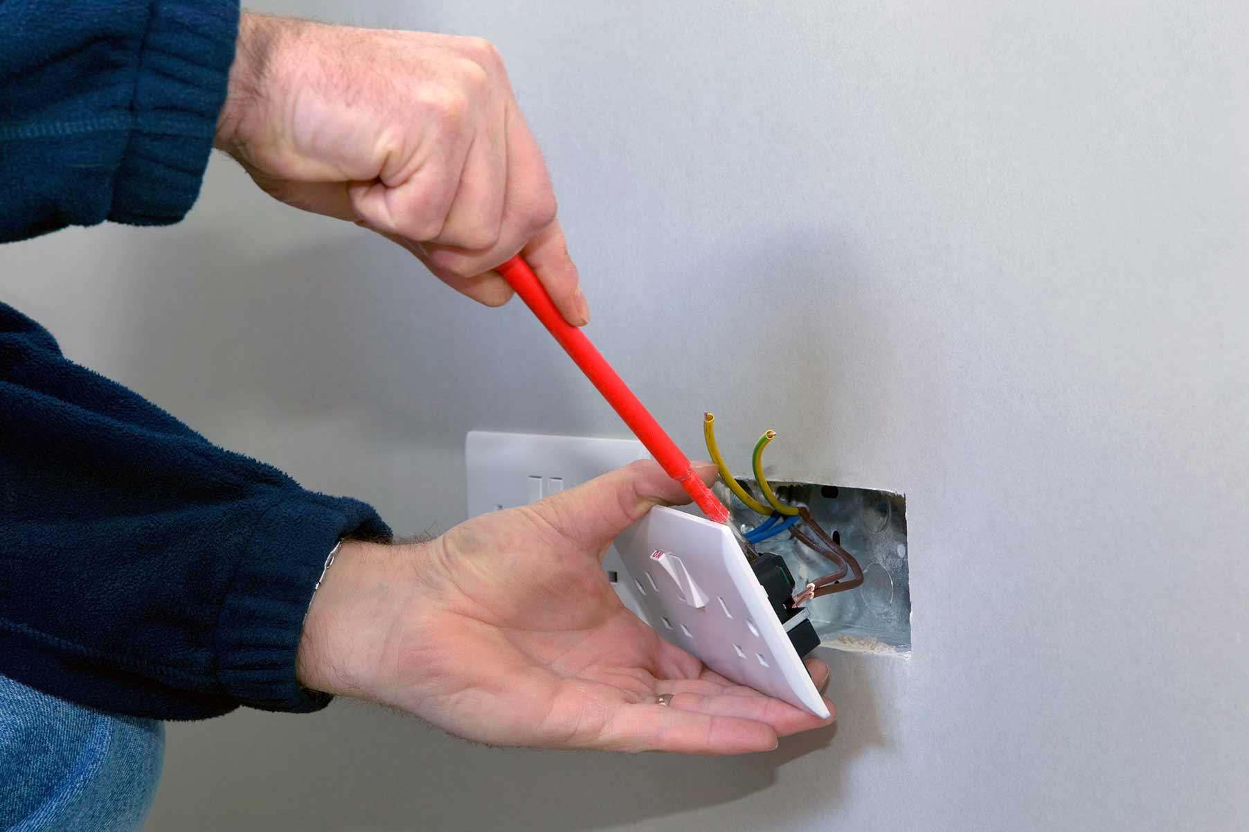 Our electricians can install plug sockets for domestic and commercial proeprties in Worcester Park and the local area.
